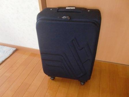 e7f1415515 最近ソフトケースのご依頼がグンと増えました。 値段的に躊躇する方も結構多いのですが、使い慣れたとスーツケース は修理して使いたいという方もいらっしゃいます。